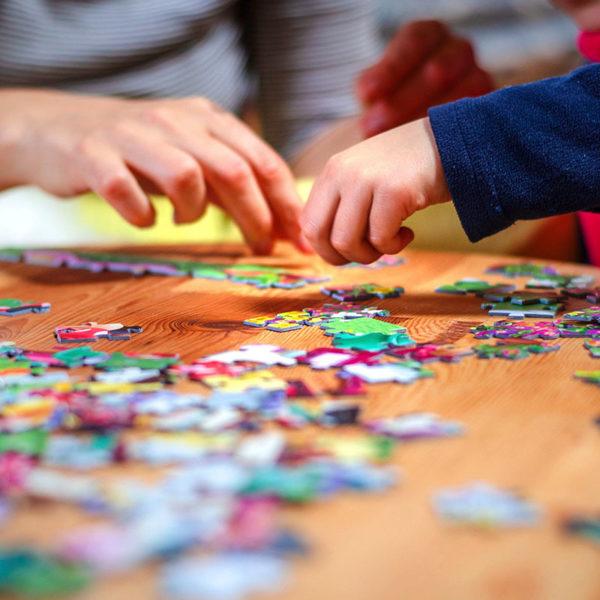 Jocuri si puzzle